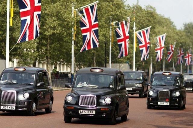 les black cabs londoniens se mettent l 39 lectrique am. Black Bedroom Furniture Sets. Home Design Ideas