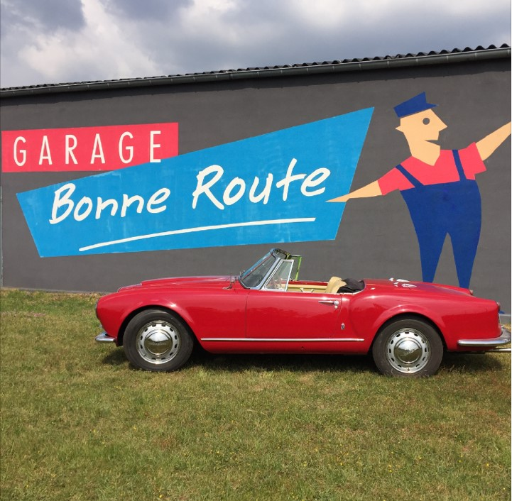 Glasurit garage bonne route auto moto classic for Garage ad angers route de bouchemaine