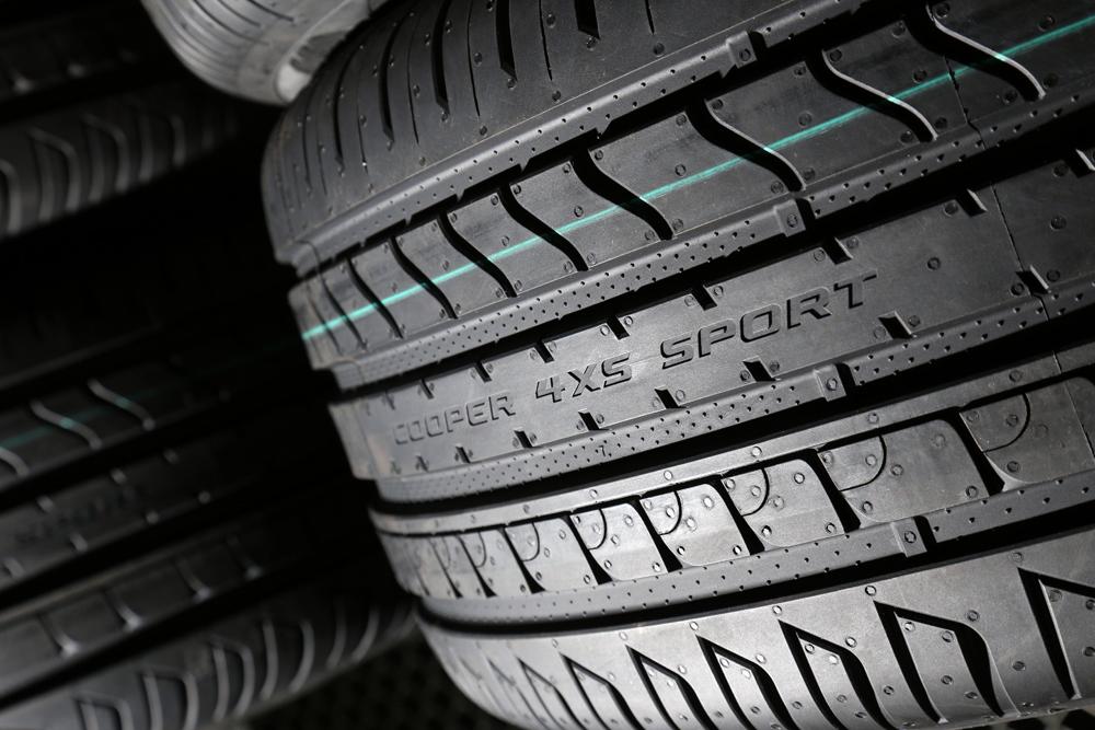 cooper lance le nouveau pneu zeon 4xs sport am today. Black Bedroom Furniture Sets. Home Design Ideas