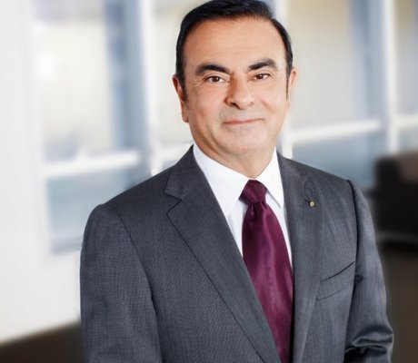 renault ghosn reconduit 4 ans avec baisse de salaire bollor n 2 am today. Black Bedroom Furniture Sets. Home Design Ideas