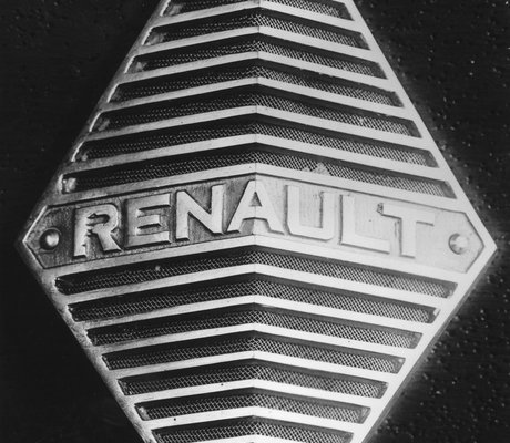 logo renault retour en images sur 117 ans d histoire am today. Black Bedroom Furniture Sets. Home Design Ideas